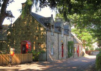 Cawdor shop on a sunny day